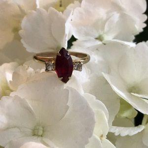 Jewelry - Vintage ring